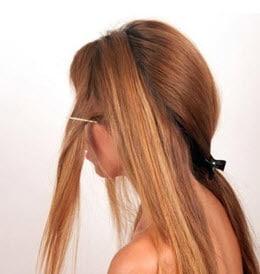 Разделение на две равные части передней пряди волос