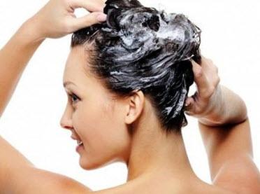 Мытье головы перед накручиванием на плойку