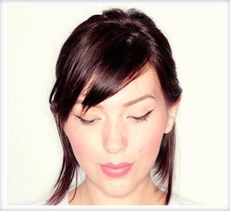 Фиксация волос на макушке шпилькой