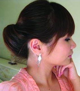 Элегантная прическа с собранными волосами