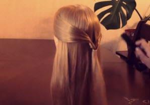 Коса, заплетенная с помощью резинок: вариант на каждый день